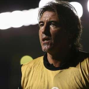 Com duas vitórias em 11 jogos, Ricardo Sá Pinto começa a ...