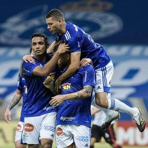 Atuações de Sobis melhora o perfil do ataque do Cruzeiro ...