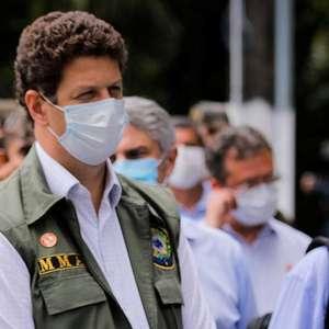 Salles quer US$ 1 bi dos EUA para desmatamento da Amazônia