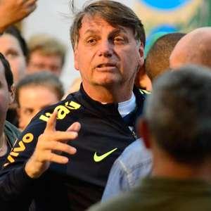 'Se Deus quiser, vou continuar meu mandato', diz Bolsonaro