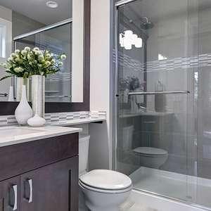 Como escolher o box do banheiro: 5 erros comuns para não ...