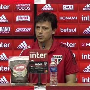 """SÃO PAULO: Diniz pede desculpa a Tchê Tchê por xingar o jogador na derrota para o Bragantino e avalia: """"Esse episódio servirá para a gente crescer mais como time"""""""