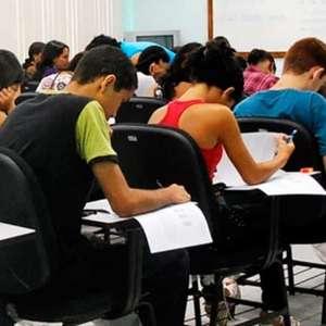 Estudantes relatam desconforto em primeiro dia de Enem