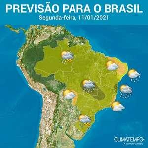 Segunda-feira com clima típico de verão no Brasil