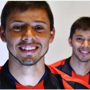 Corinthians pode contratar irmãos Romero, diz site argentino
