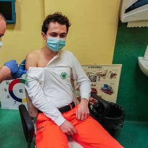 Itália começa aplicação de 2ª dose de vacina contra covid-19