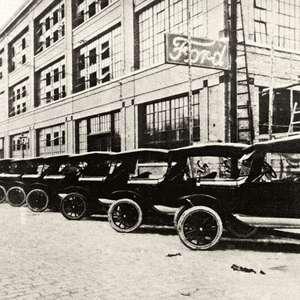 Ford encerra produção de carros no Brasil após 102 anos