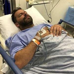 Henri Castelli passa por cirurgia na mandíbula após confusão