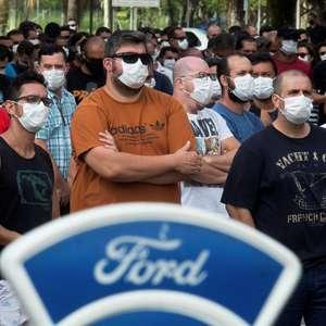 Ao menos 17 fábricas fecharam por dia nos últimos cinco anos