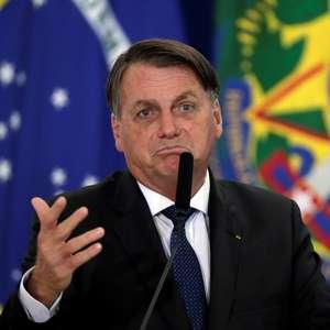 Bolsonaro pede 'calma' a quem cobra início da vacinação