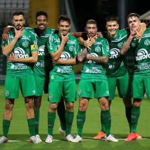 Chape vence  o Figueirense e assegura retorno à elite