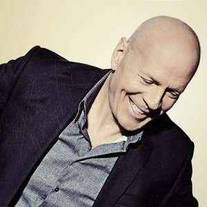 Bruce Willis é expulso de farmácia por não usar a máscara