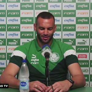 """PALMEIRAS: Weverton nega ser o melhor goleiro do Brasil, mas garante: """"Tenho muito orgulho de ver meu nome sempre entre os melhores do país"""""""
