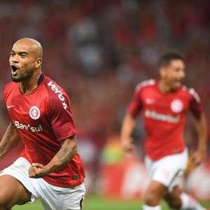 Moledo rompe ligamentos do joelho e não joga mais Brasileiro