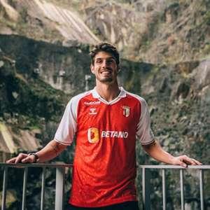 Após quase dez anos no Chelsea, Lucas Piazon é anunciado ...