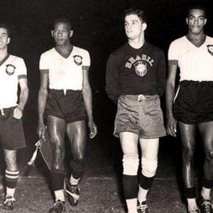 Ídolo do Athletico, Caju é homenageado pelo clube