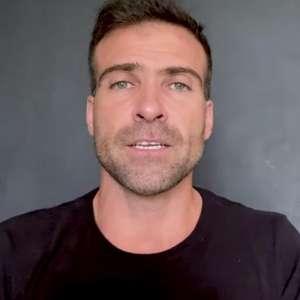 Repórter diz que chamou chefe da Globo para briga em reunião