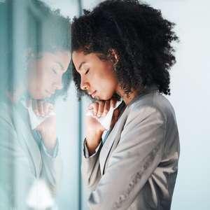 Como se acalmar ao ser tomado por sentimentos ruins?