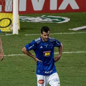 Cruzeiro joga mal e perde para o lanterna Oeste em BH