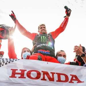 Kevin Benavides é campeão do Dakar 2021 nas motos. Brabec vence última especial