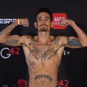 Na primeira pesagem oficial do UFC em 2021, ex-campeão ...