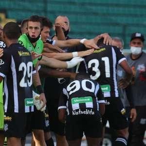 Com sobra, Figueirense bate o Brasil-RS e deixa o Z-4; Xavante fica distante do acesso