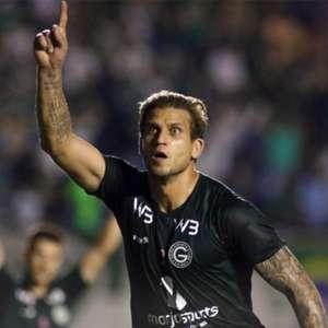 Internautas relembram retrospecto de Rafael Moura contra ...