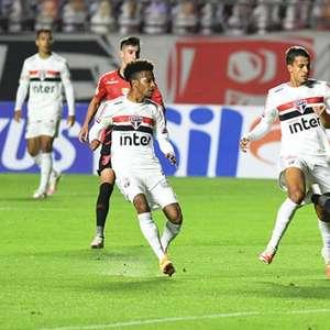 Athletico-PR x São Paulo: prováveis escalações, desfalques e onde assistir