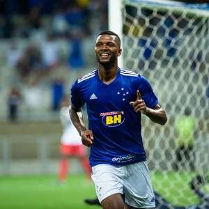 Atacante Thiago, do Cruzeiro, testa positivo para covid-19