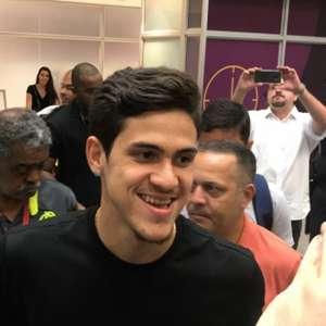 Há um ano, Pedro desembarcava no Rio para assinar com o ...