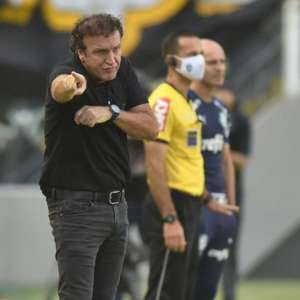 Cuca vê placar justo diante do Botafogo na Vila Belmiro