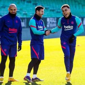 Messi treina e deve jogar a final da Supercopa da Espanha