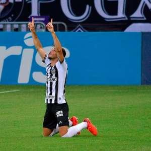 Atlético-MG supera o Atlético-GO e encosta na liderança