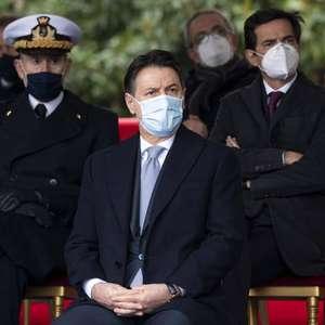 Premiê da Itália busca votos no Senado para seguir no poder