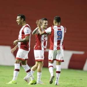 Anderson cobra 'vontade' dos jogadores do Náutico após derrota