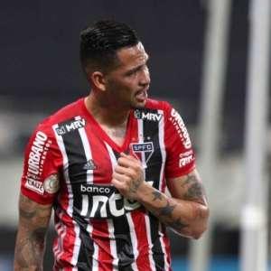 Presença de Luciano no duelo do São Paulo contra o Inter não é garantida; Diniz espera contar com atacante