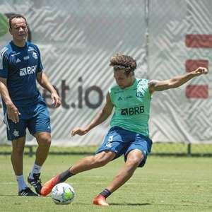 Com Arão na zaga e o retorno de Gabigol, Ceni indica escalação do Flamengo contra o Goiás
