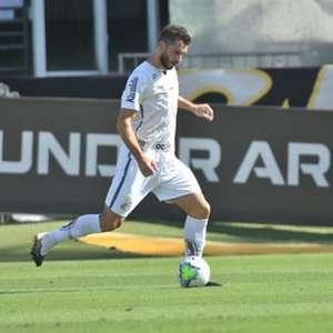 Cuca isenta zagueiro Laércio de culpa em gol do Botafogo ...
