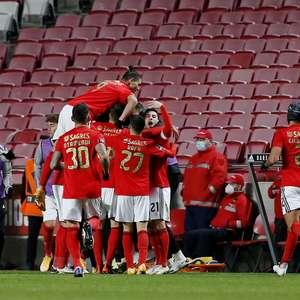 Benfica anuncia 17 casos de Covid-19 e discute adiamento ...