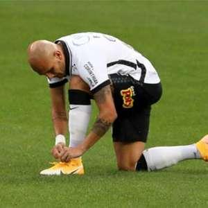 Após ser goleado em clássico, Fábio Santos, do Corinthians, diz: 'Tudo o que o Mancini pediu, fizemos o contrário'