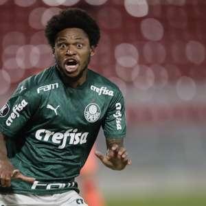 Luiz Adriano se torna o maior artilheiro do Palmeiras ...