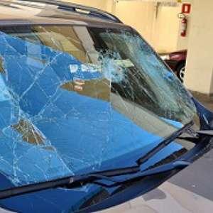 Organizada do Cruzeiro vandaliza carro do ex-diretor geral do clube, Sérgio Nonato. Veja o vídeo