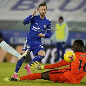 Letal no primeiro tempo, Leicester bate o Chelsea no ...