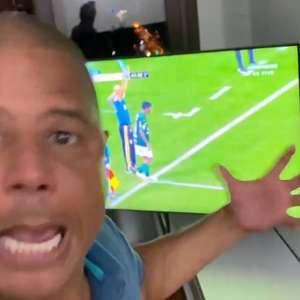 Marcelinho Carioca se revolta após derrota do Corinthians