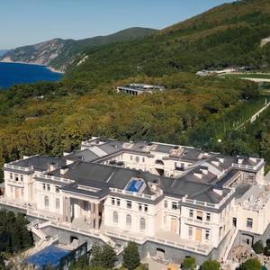 'Palácio de Putin': vídeo do opositor preso Alexei Navalny mostra suposta mansão de R$ 7,2 bilhões do presidente russo