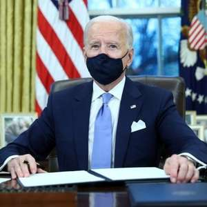 Biden toma posse: novo presidente dos EUA recebe ...