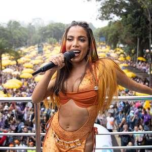 """Grammy nomeia Anitta como """"Rainha do Pop Brasileiro"""""""