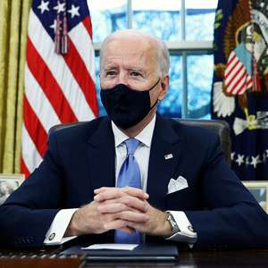 Biden exigirá máscaras em aviões e trens e aumentará ...