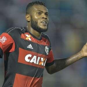 Justiça condena Flamengo a pagar R$ 1 milhão por dívida com atacante Marcelo Cirino