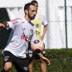 Juanfran admite ofertas para sair do São Paulo, mas ...